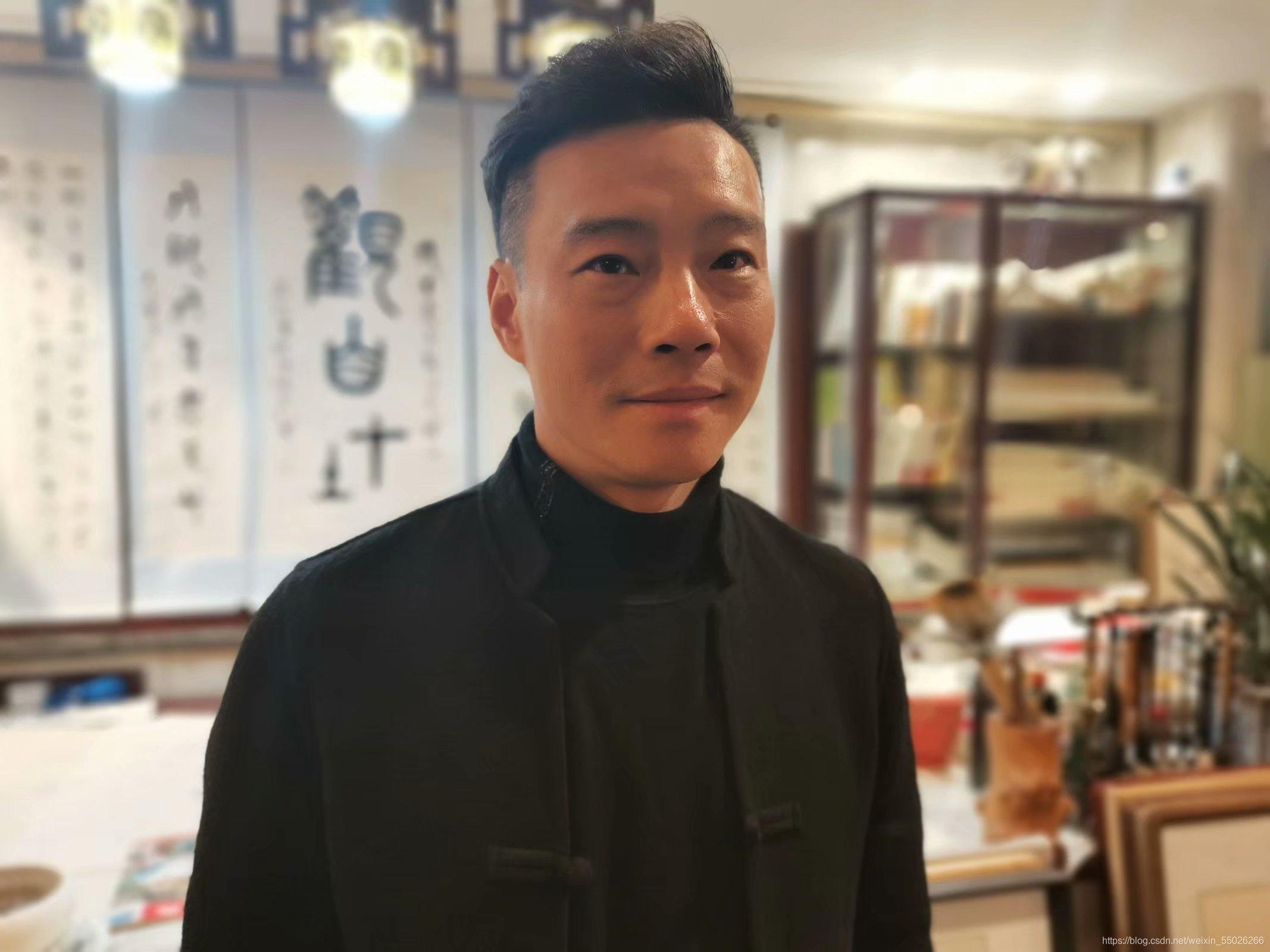 """艺术名家 翰墨异彩""""三分书""""——访知名书法家蔡爱军"""